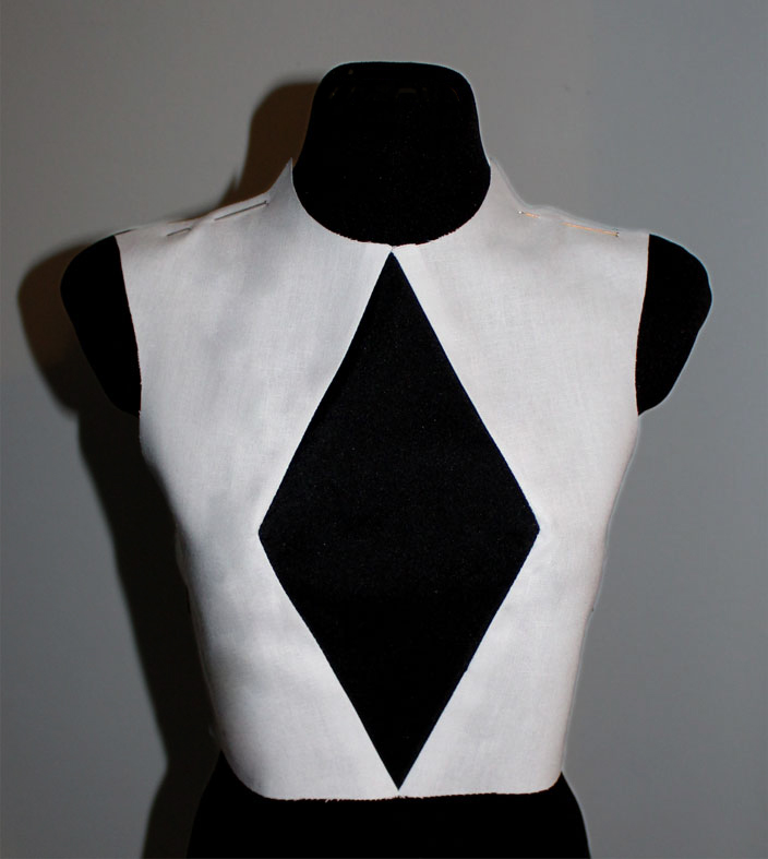 bodice with a rhombus shape