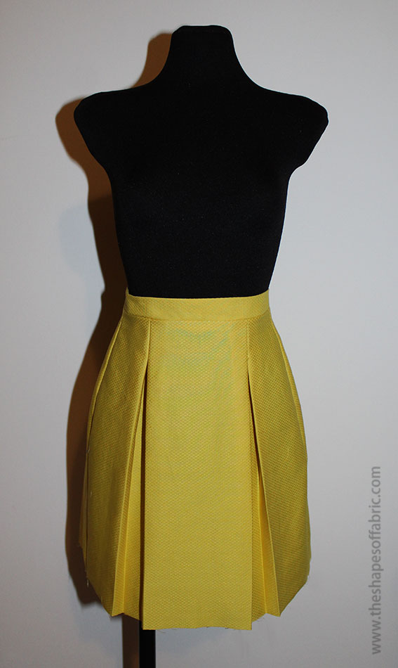 skirt with two box pleats
